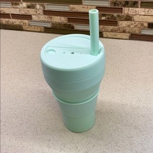 Brand new - collapsible silicone cup with straw